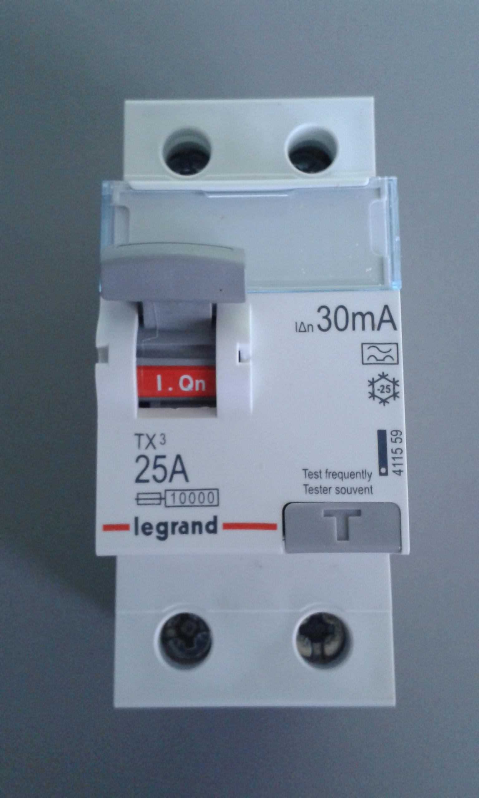 Legrand FI-Schutzschalter TX3 40A//0,03A 2-polig 411560